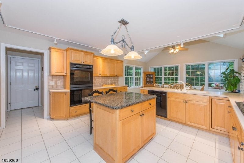 Additional photo for property listing at 29 Willow Drive  Chester, New Jersey 07930 United States