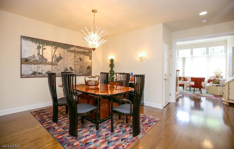 Casa Unifamiliar por un Venta en 15 Schindler Way Fairfield, Nueva Jersey 07004 Estados Unidos