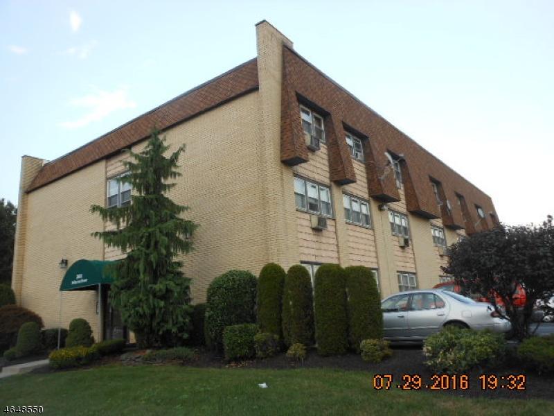 独户住宅 为 销售 在 Address Not Available 林登, 新泽西州 07036 美国