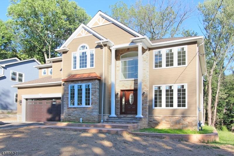 独户住宅 为 销售 在 30 BOND PLACE Caldwell, 新泽西州 07006 美国