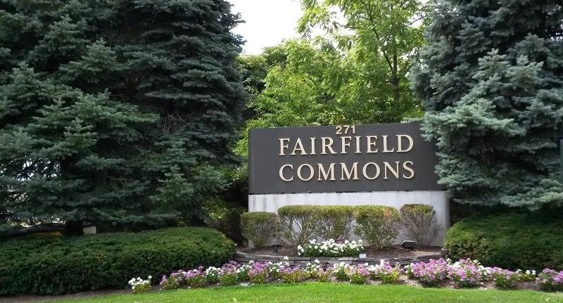 Commercial pour l Vente à 271 ROUTE 46 Fairfield, New Jersey 07004 États-Unis