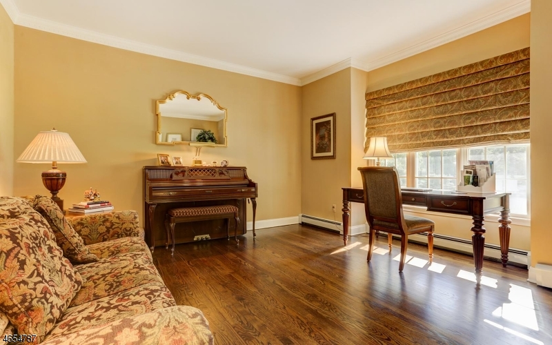 Additional photo for property listing at 459 OLDWOODS RD East  Wyckoff, Нью-Джерси 07481 Соединенные Штаты
