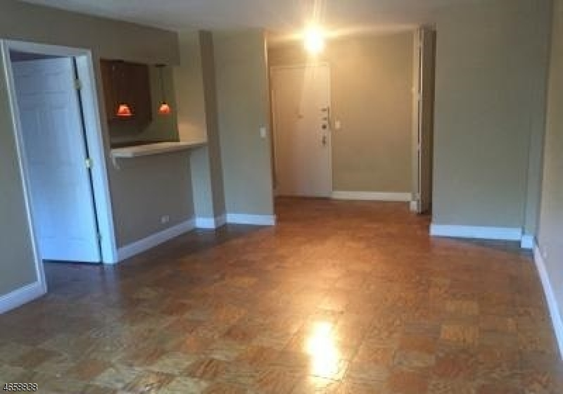 Additional photo for property listing at 39 E 39th Street  Paterson, Nueva Jersey 07514 Estados Unidos