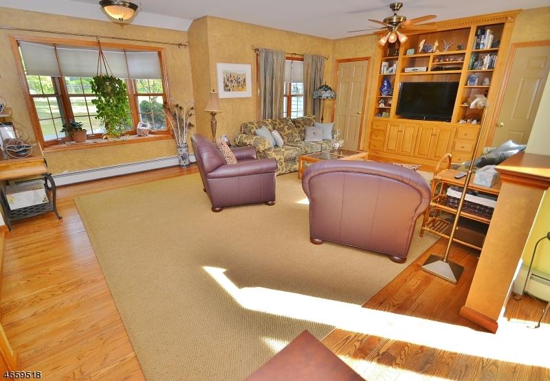 Additional photo for property listing at 120 Meriden Road  Rockaway, Nueva Jersey 07866 Estados Unidos