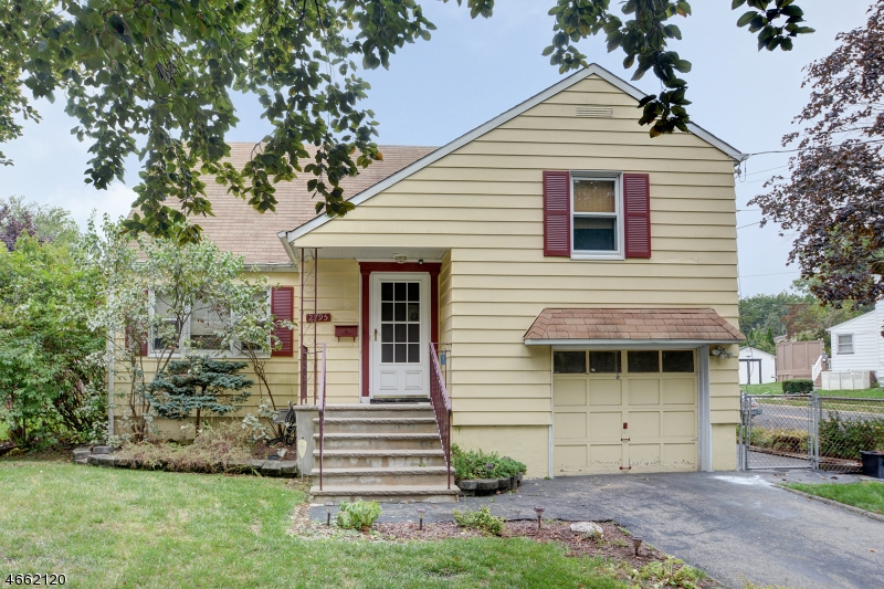Additional photo for property listing at 2795 Spruce Street  Union, New Jersey 07083 États-Unis