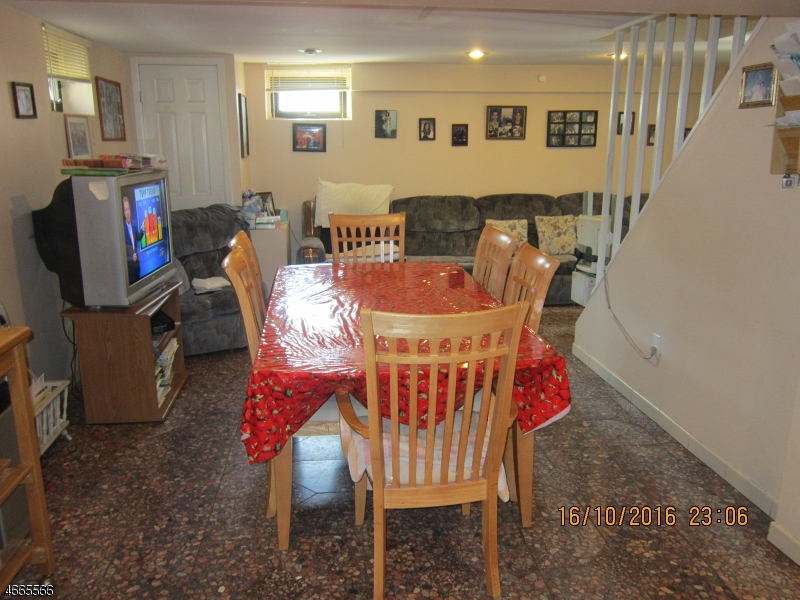 Additional photo for property listing at 61 Grandview Drive  Woodland Park, New Jersey 07424 États-Unis