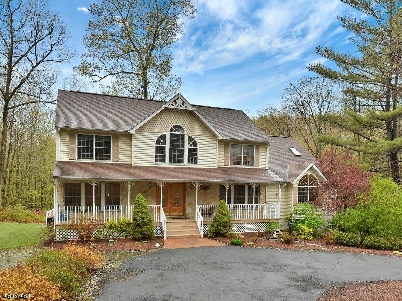 Частный односемейный дом для того Продажа на 3 PUDDINGSTONE LANE Oak Ridge, Нью-Джерси 07438 Соединенные Штаты