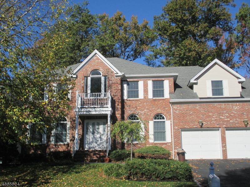 Частный односемейный дом для того Аренда на 776 Clarence Street Westfield, Нью-Джерси 07090 Соединенные Штаты
