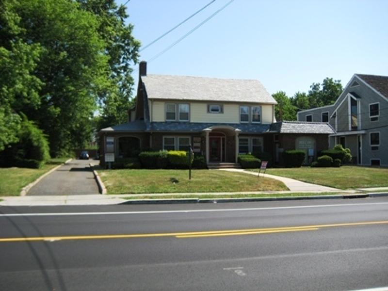 Commercial pour l Vente à 150 W End Avenue Somerville, New Jersey 08876 États-Unis