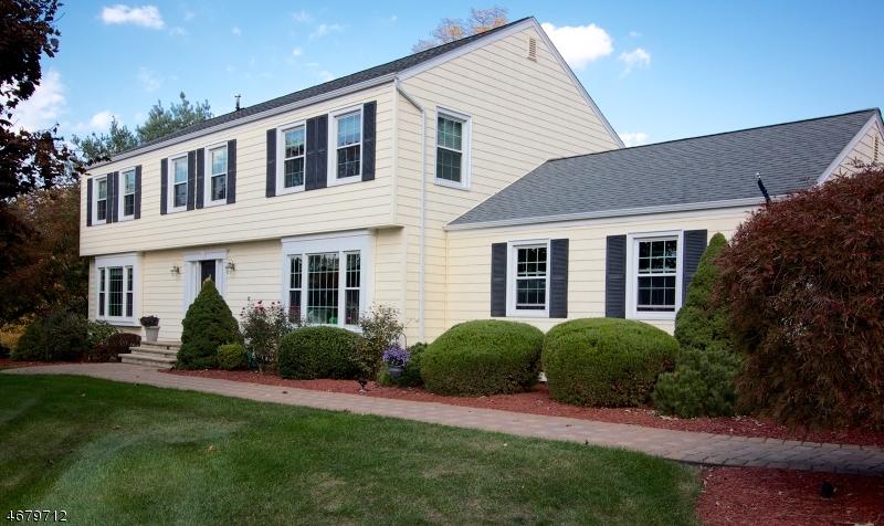 独户住宅 为 销售 在 15 Fenview Road Gillette, 07933 美国