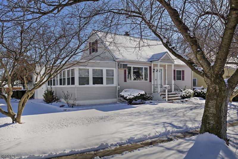 Частный односемейный дом для того Аренда на 93 Sharon Avenue Edison, Нью-Джерси 08817 Соединенные Штаты