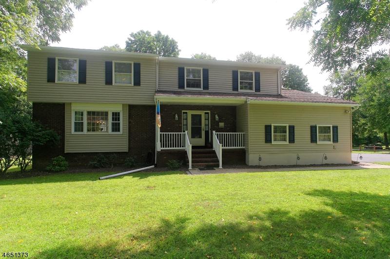 Частный односемейный дом для того Продажа на 1 Pilgrim Drive Succasunna, 07876 Соединенные Штаты