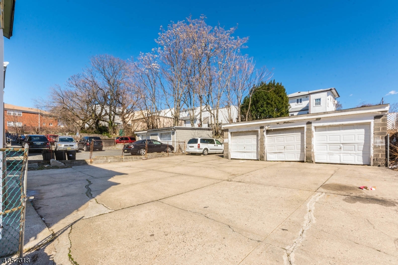 Additional photo for property listing at 124-126 MILL Road  Irvington, Нью-Джерси 07111 Соединенные Штаты