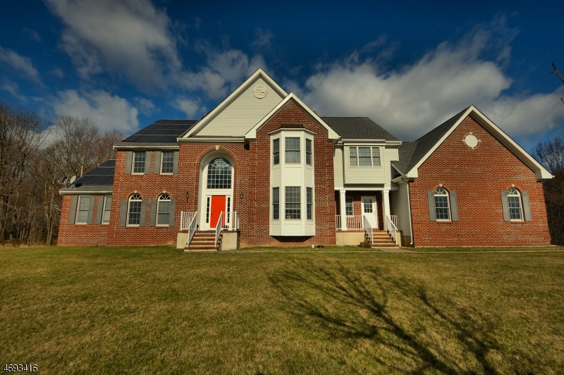 Single Family Home for Sale at 28 Meadowlark Dr Plainsboro, New Jersey 08536 United States