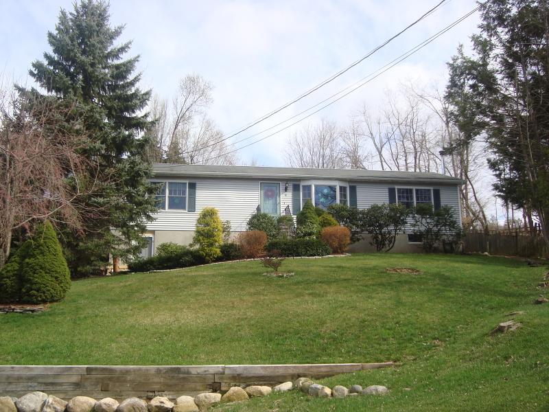 Частный односемейный дом для того Аренда на 4 Timothy Lane Vernon, Нью-Джерси 07462 Соединенные Штаты