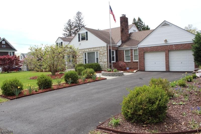 Maison unifamiliale pour l Vente à 615 CENTRAL Avenue Bound Brook, New Jersey 08805 États-Unis