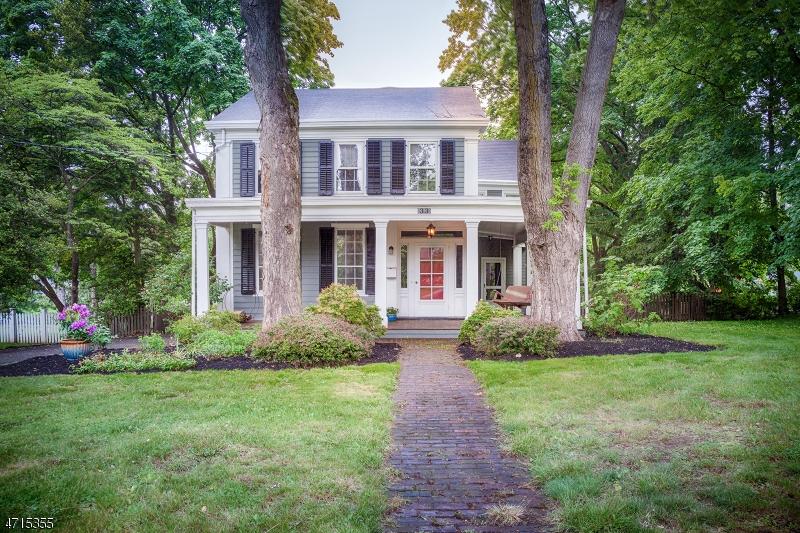 独户住宅 为 出租 在 33 W Main Street 门德汉姆, 新泽西州 07945 美国