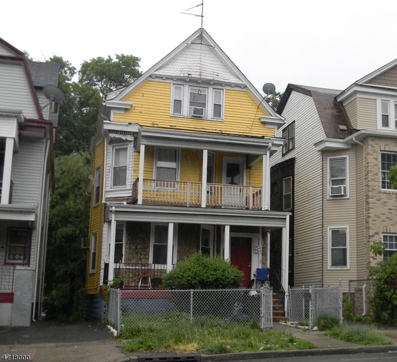 Частный односемейный дом для того Аренда на 479 Park Avenue East Orange, Нью-Джерси 07017 Соединенные Штаты