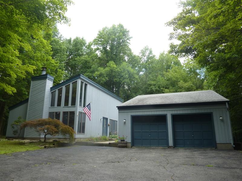 Maison unifamiliale pour l Vente à 62 Barkers Mill Road Independence Township, New Jersey 07840 États-Unis
