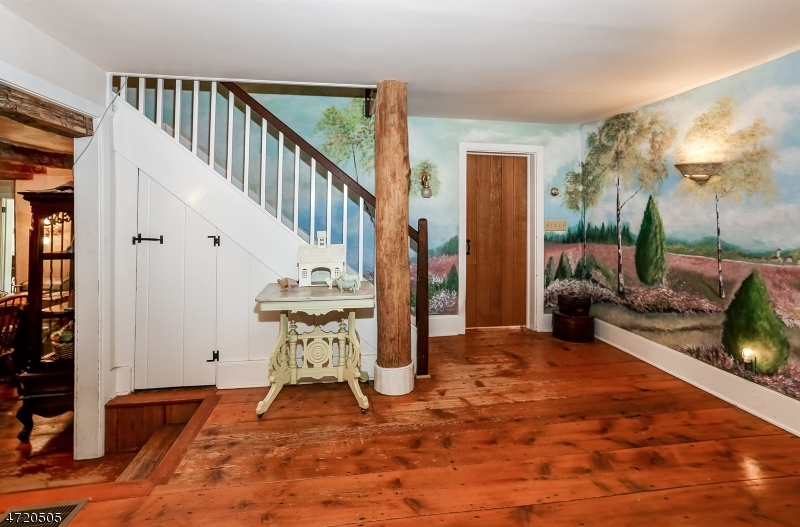 Additional photo for property listing at 79 Farmersville Road  Tewksbury Township, New Jersey 07830 États-Unis