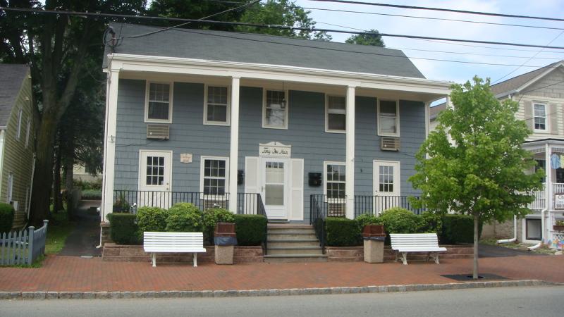 Nhà ở một gia đình vì Bán tại 41 Main Street 41 Main Street Chester, New Jersey 07930 Hoa Kỳ
