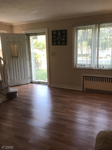 Additional photo for property listing at 28 Chelsea Road  Clifton, New Jersey 07012 Verenigde Staten
