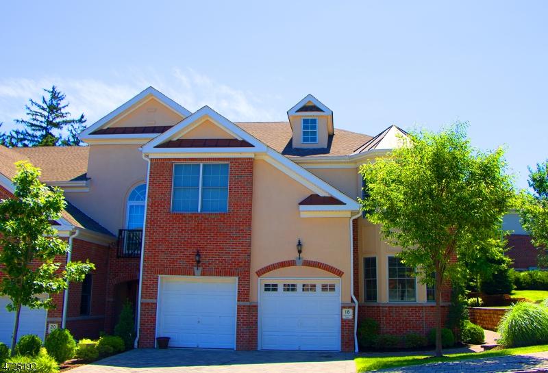 Maison unifamiliale pour l à louer à 18 Cedar Gate Drive Livingston, New Jersey 07039 États-Unis