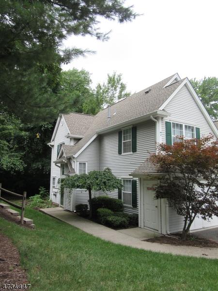 Частный односемейный дом для того Аренда на 701 Chatfield Drive Pequannock, Нью-Джерси 07444 Соединенные Штаты