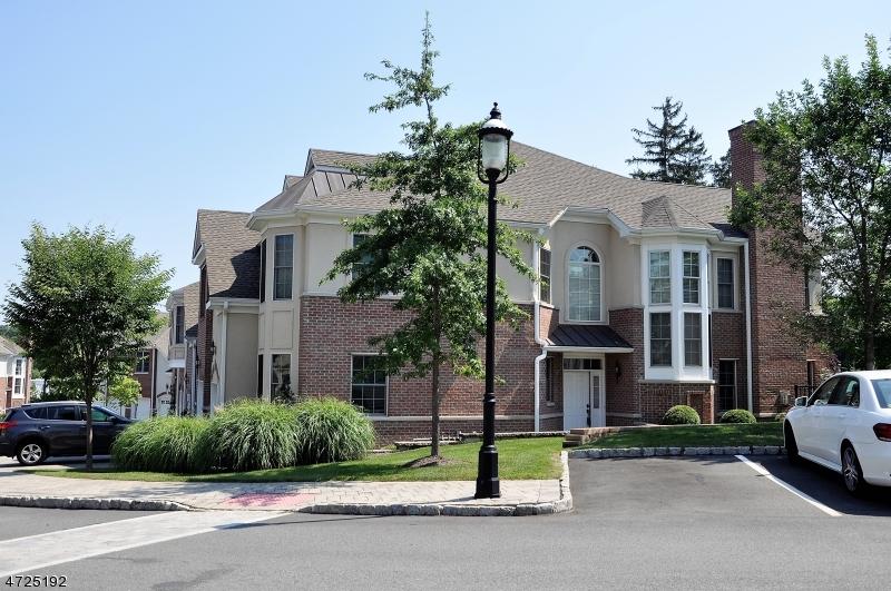 Casa Unifamiliar por un Alquiler en 18 Cedar Gate Drive Livingston, Nueva Jersey 07039 Estados Unidos