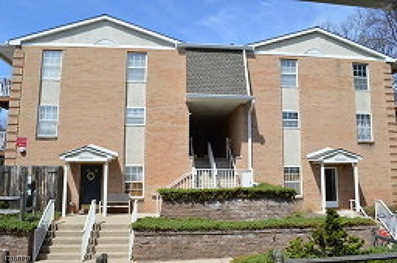Casa Unifamiliar por un Alquiler en 201 Vista Drive Cedar Knolls, Nueva Jersey 07927 Estados Unidos