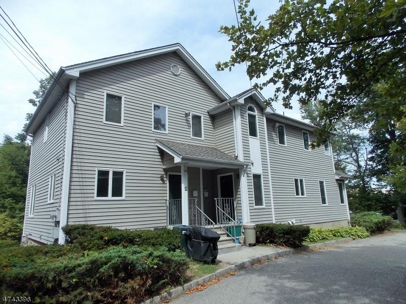 Casa Unifamiliar por un Alquiler en 12A Franklin Road Denville, Nueva Jersey 07834 Estados Unidos