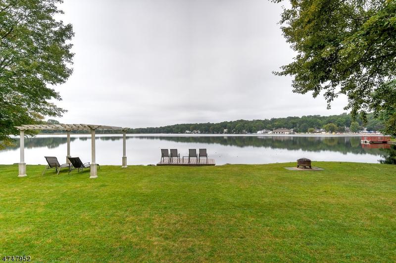 Maison unifamiliale pour l à louer à 35 Lake Dr E Wayne, New Jersey 07470 États-Unis