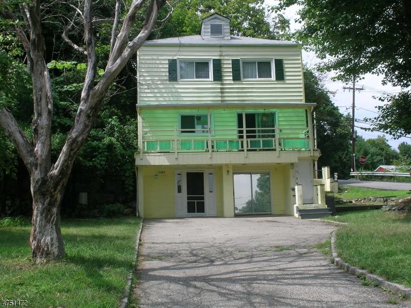 Частный односемейный дом для того Аренда на 119 Lakeside Blvd Hopatcong, Нью-Джерси 07843 Соединенные Штаты