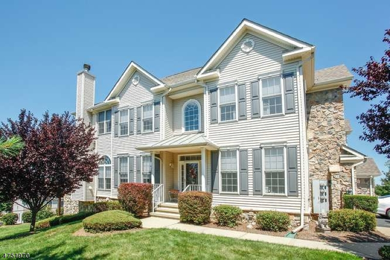 Частный односемейный дом для того Продажа на 10 Winding Way Woodland Park, Нью-Джерси 07424 Соединенные Штаты