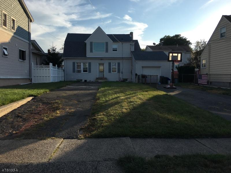 Çok Ailelik Ev için Satış at 108 Ottawa Avenue Hasbrouck Heights, New Jersey 07604 Amerika Birleşik Devletleri