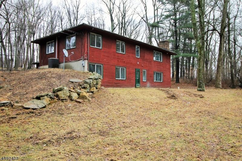 Частный односемейный дом для того Продажа на 111 Upper Sunset Drive Washington, Нью-Джерси 07853 Соединенные Штаты