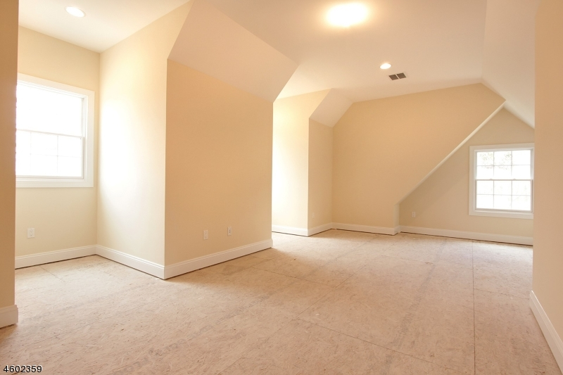 Additional photo for property listing at 85 Eileen Drive  Cedar Grove, New Jersey 07009 Hoa Kỳ