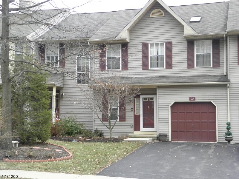 Частный односемейный дом для того Аренда на 22 Pinehurst Drive Washington, Нью-Джерси 07882 Соединенные Штаты