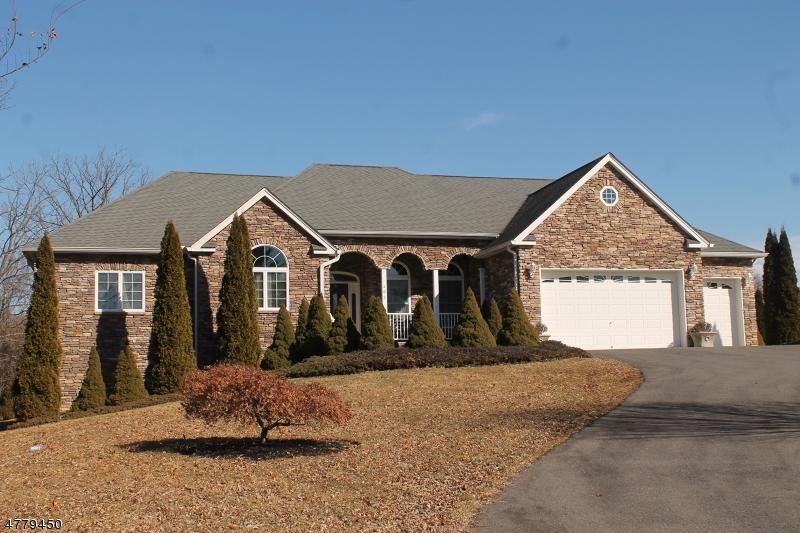 Maison unifamiliale pour l Vente à 403 Park Avenue Lopatcong, New Jersey 08865 États-Unis
