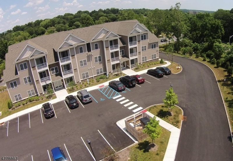 Частный односемейный дом для того Аренда на 53 Park Drive Clinton, Нью-Джерси 08809 Соединенные Штаты