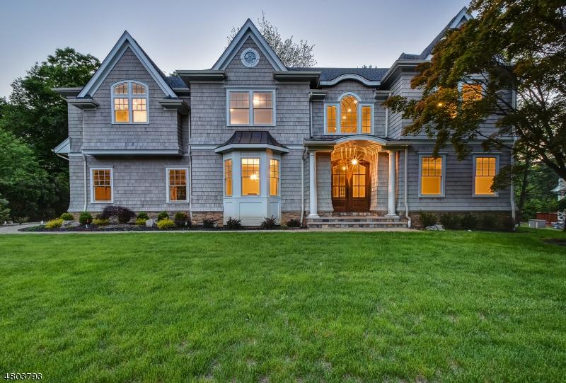 獨棟家庭住宅 為 出售 在 18 Dale Drive Chatham, 新澤西州 07928 美國