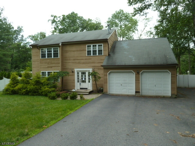 独户住宅 为 销售 在 113 RIDGE Road 西米尔福德, 新泽西州 07480 美国