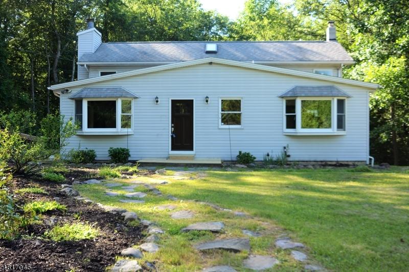 Casa Unifamiliar por un Venta en 10 IRONDALE Road Mine Hill, Nueva Jersey 07803 Estados Unidos
