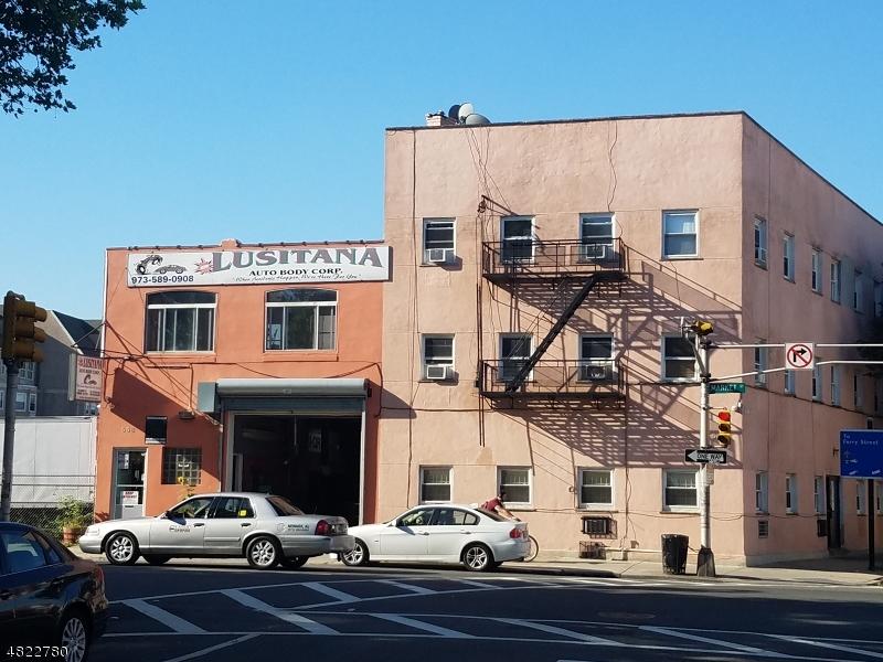 商用 為 出售 在 556 MARKET Street Newark, 新澤西州 07105 美國