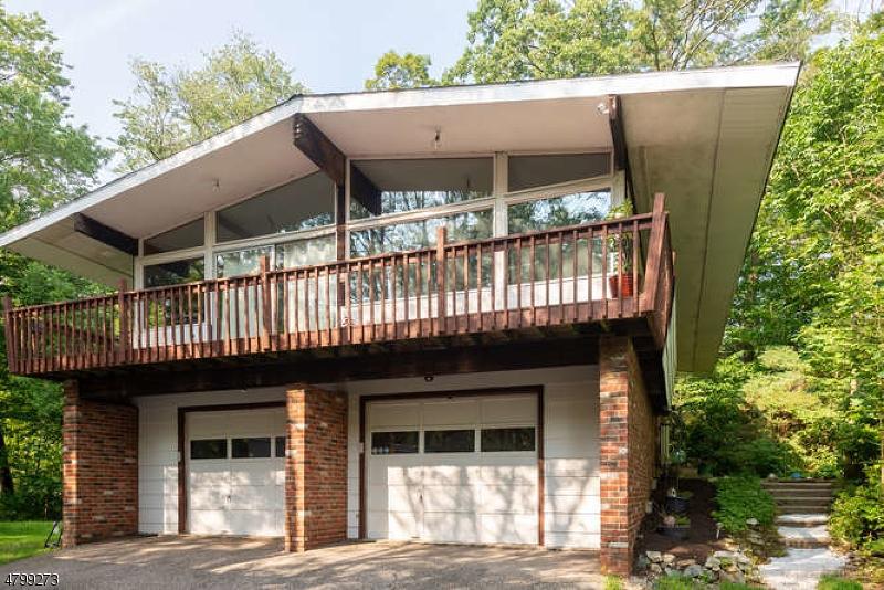 Μονοκατοικία για την Πώληση στο 23 Bayonne Drive West Milford, Νιου Τζερσεϋ 07421 Ηνωμένες Πολιτείες