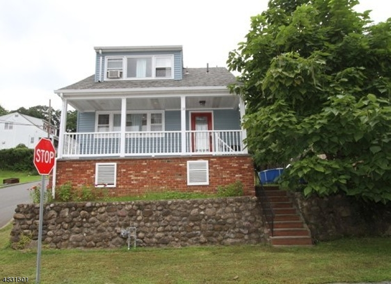Single Family Home for Sale at 38 Avenue B Haledon, New Jersey 07508 United States