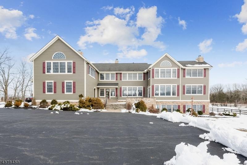Villa per Vendita alle ore 49 FAIRVIEW Road Montgomery, New Jersey 08558 Stati Uniti