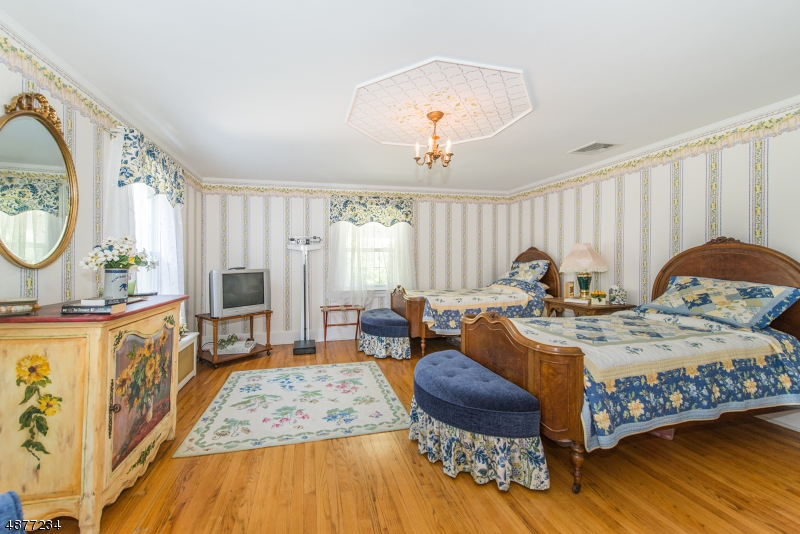 Additional photo for property listing at 20 DICKSON RD Hampton Township, New Jersey 07860 United States