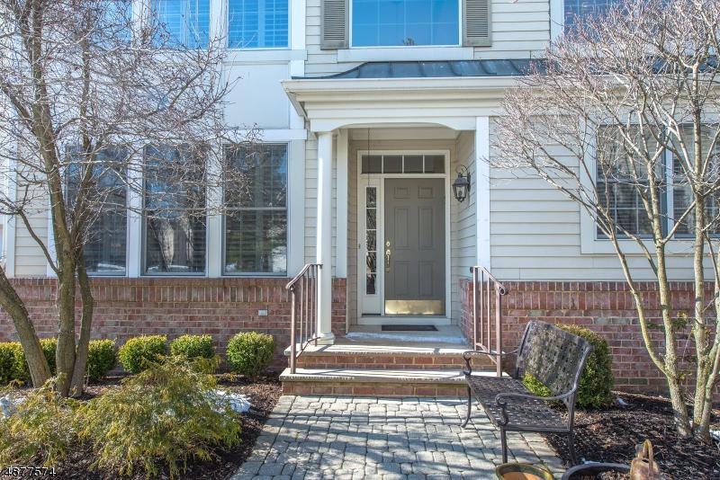 Condominio / Townhouse per Vendita alle ore 78 SCHINDLER WAY Fairfield, New Jersey 07004 Stati Uniti