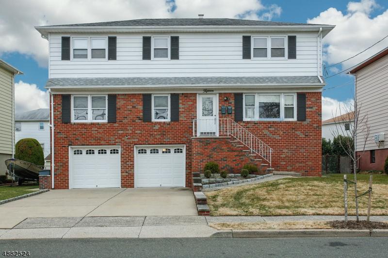 Multi-Family Homes pour l Vente à South Hackensack, New Jersey 07606 États-Unis